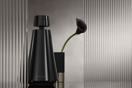 Новый цвет Bang & Olufsen BeoSound 1 — Piano Black!